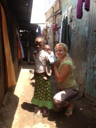 Kenia - slummien tytöt2